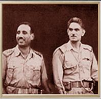 Abdul Salam Aref junto a Abdul Karim Qassem, oficiales lideres del golpe de estado que terminó con la dinastia que gobernaba Irak hasta entonces