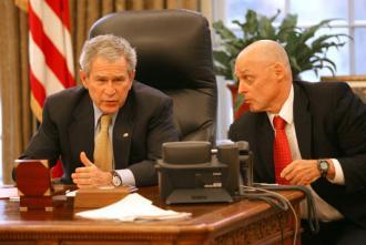 George Bush y el Secretario del Tesoro Henry Paulson