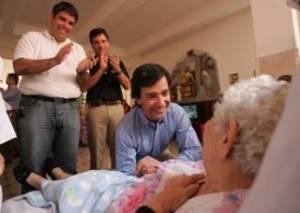 Para los ricos y Fortuño nuestro futuro es solo una promesa de campaña.