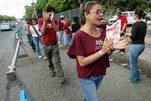 Profesores solidarios han defendido la lucha de los estudiantes.