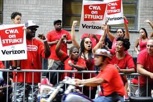 Huelga de l@s trabajador@s de Verizon, por Andrew Savulich- NYDailyNews.com