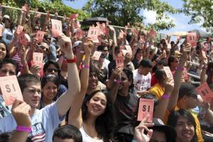 Estudiantes rechazan las cámaras de vigilancia en el Recinto de Río Piedras / 13 de marzo 2012/ Foto: Indymediapr.org