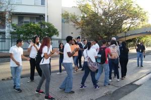 Estudiantes piquetean por desmantelamiento de escuela / Foto: Marisel Robles